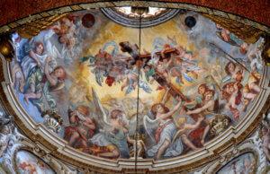 duomo lecce cappella crocifisso affresco volta